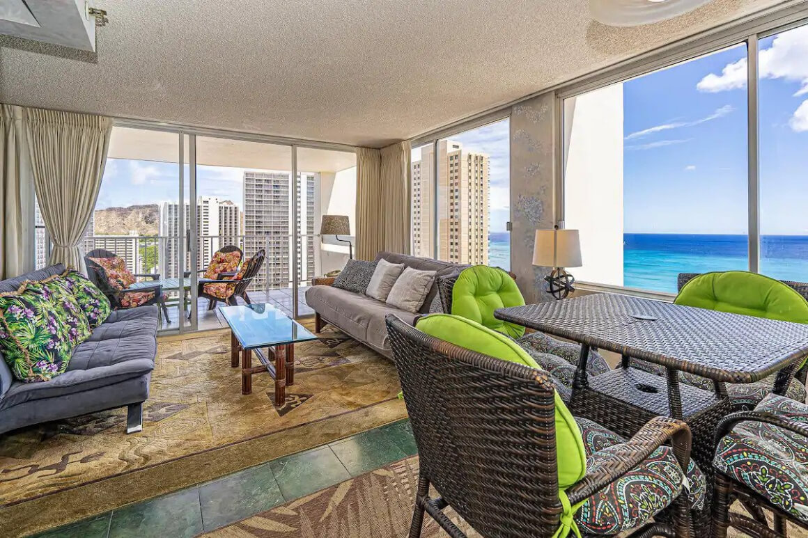 1 Bed High-Rise Condo with Ocean Views