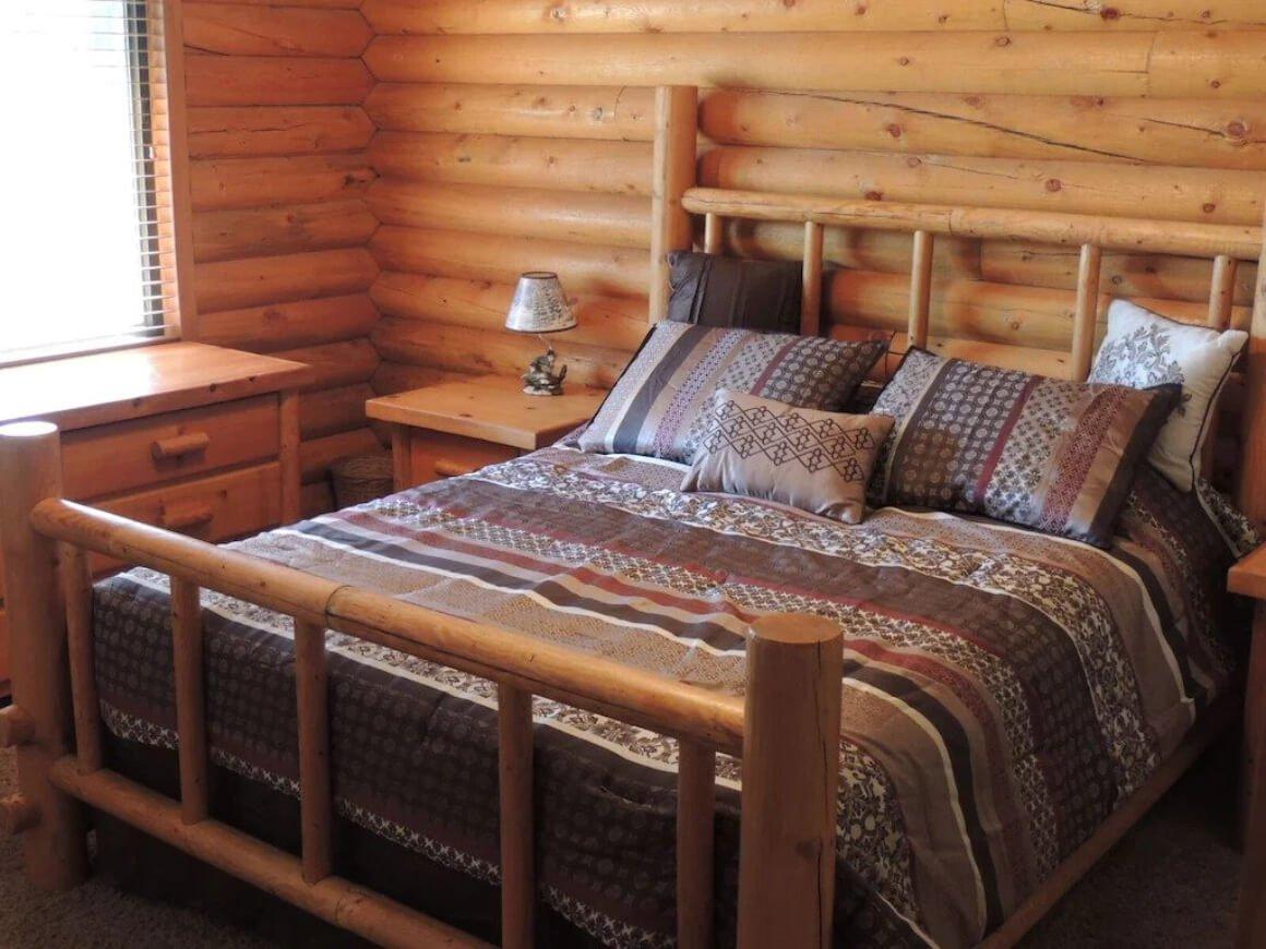 Hidden log cabin