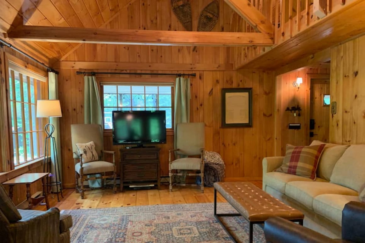 Lakefront Knotty Pine Cabin