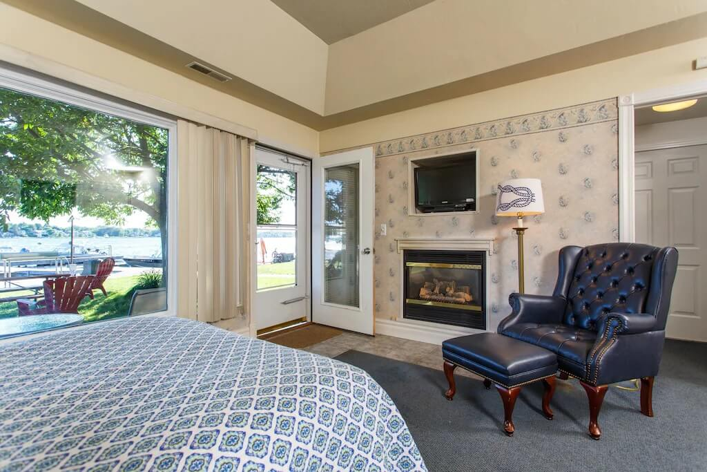One-room cottage in Snug Harbor