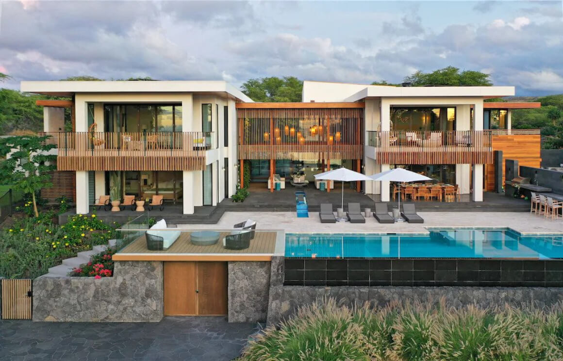 Ultra-Modern Villa with 5 Bedrooms