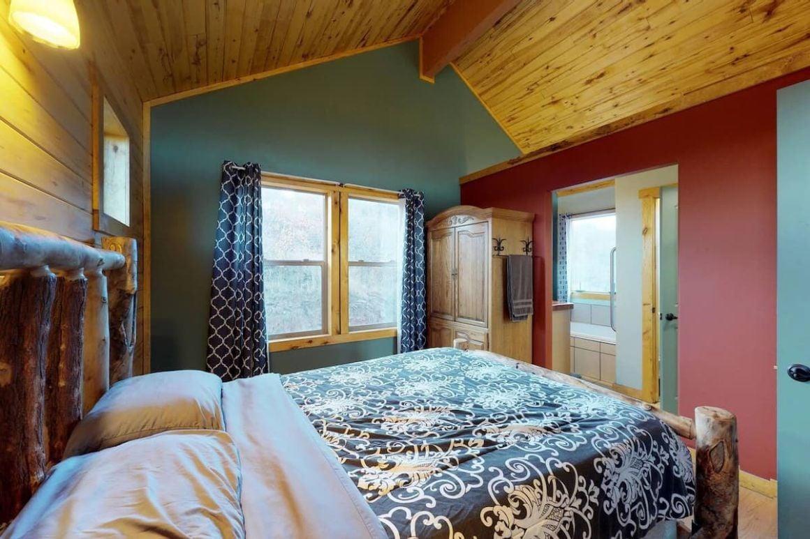 Wolf Springs Resort Cabin #3