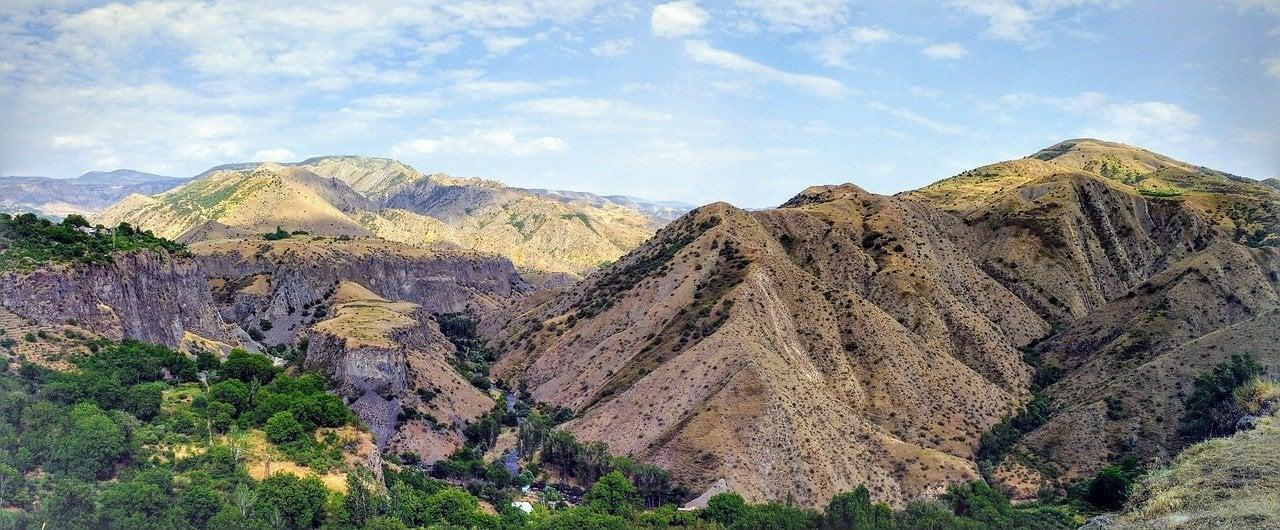 gorni-gorge-armenia