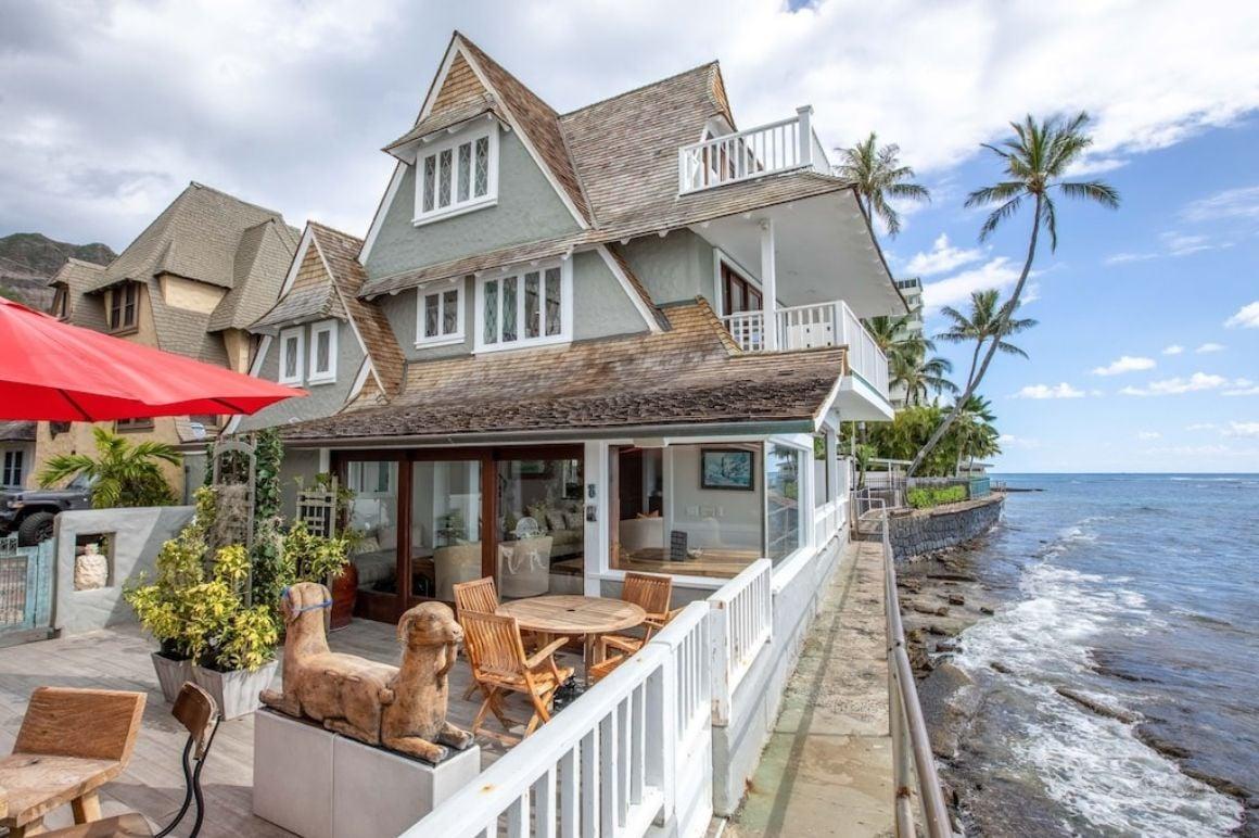 3 Bed Fairy-Tale House on the Coast