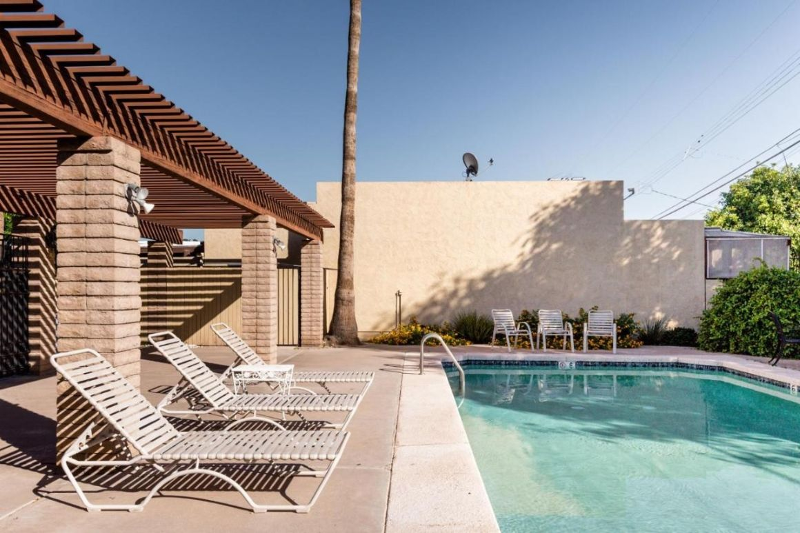 Basic Townhome with Swimming Pool Phoenix