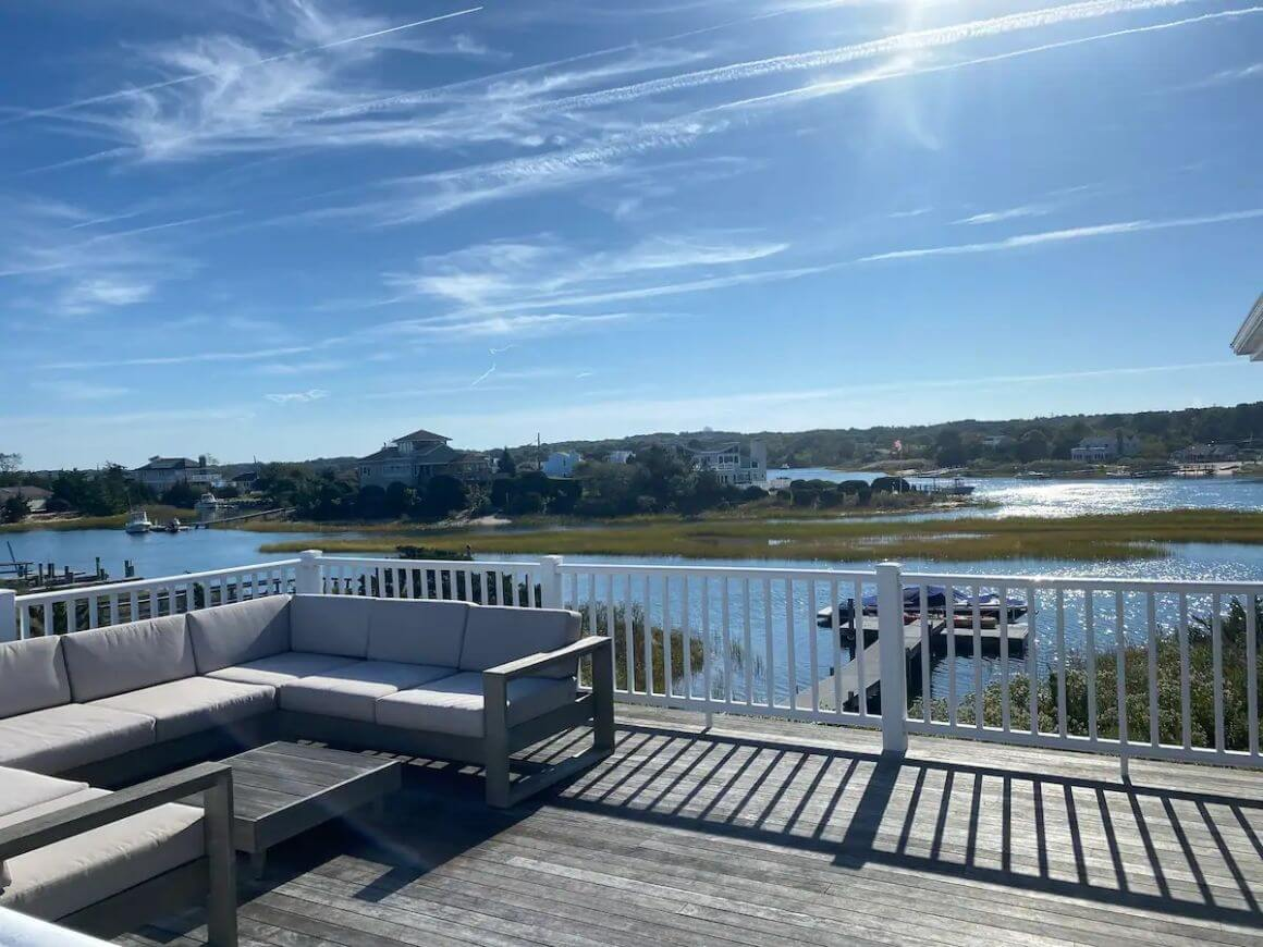 Bright Waterfront Beach Home with 3 Beds The Hamptons