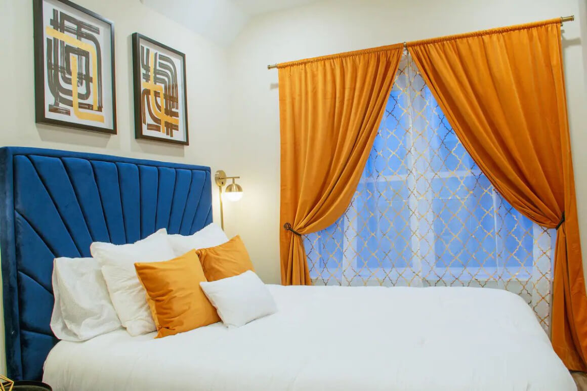 Centrally located art deco suite