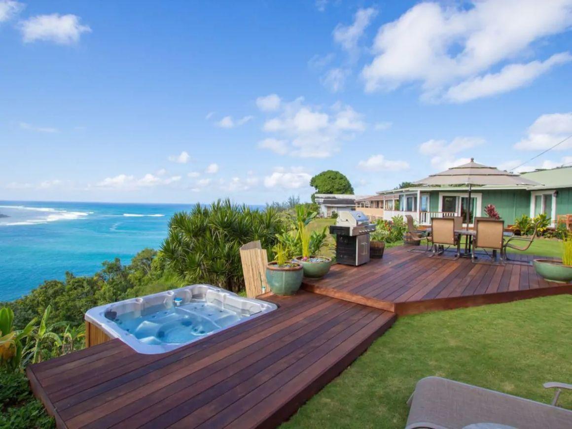 Classic 4 Bed Home with Sea Views Kauai