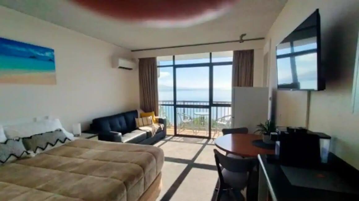 Condo Unit with Ocean Views and Fantastic Location