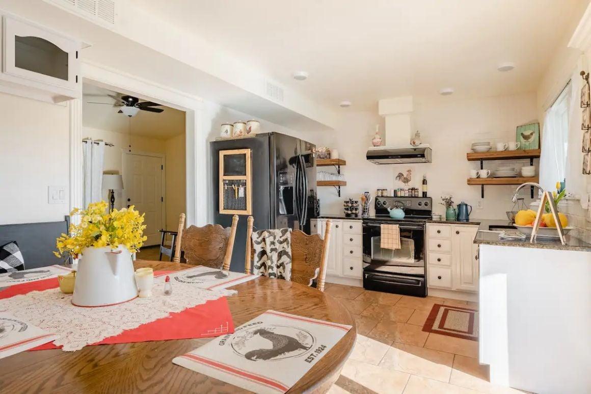 Contemporary Farm House for 4 Phoenix