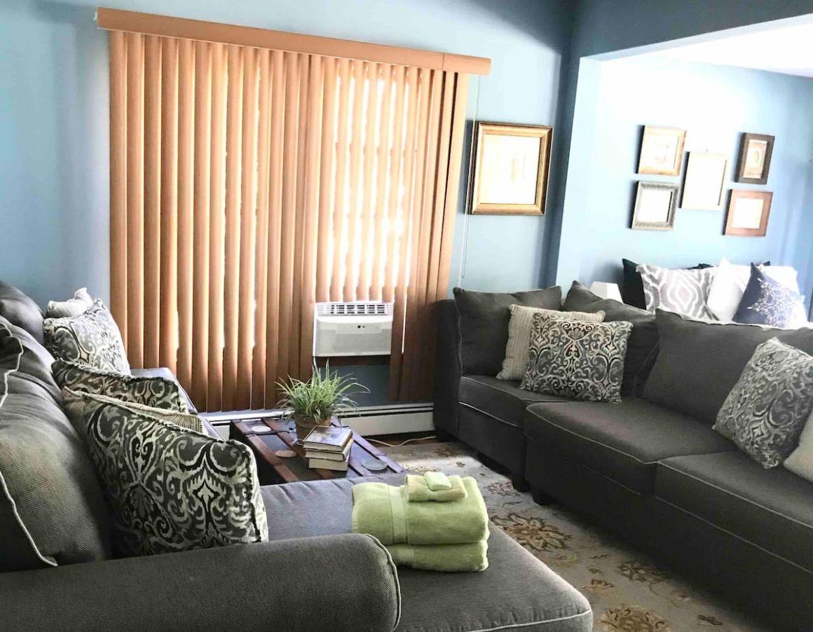 Cozy Studio near LIRR