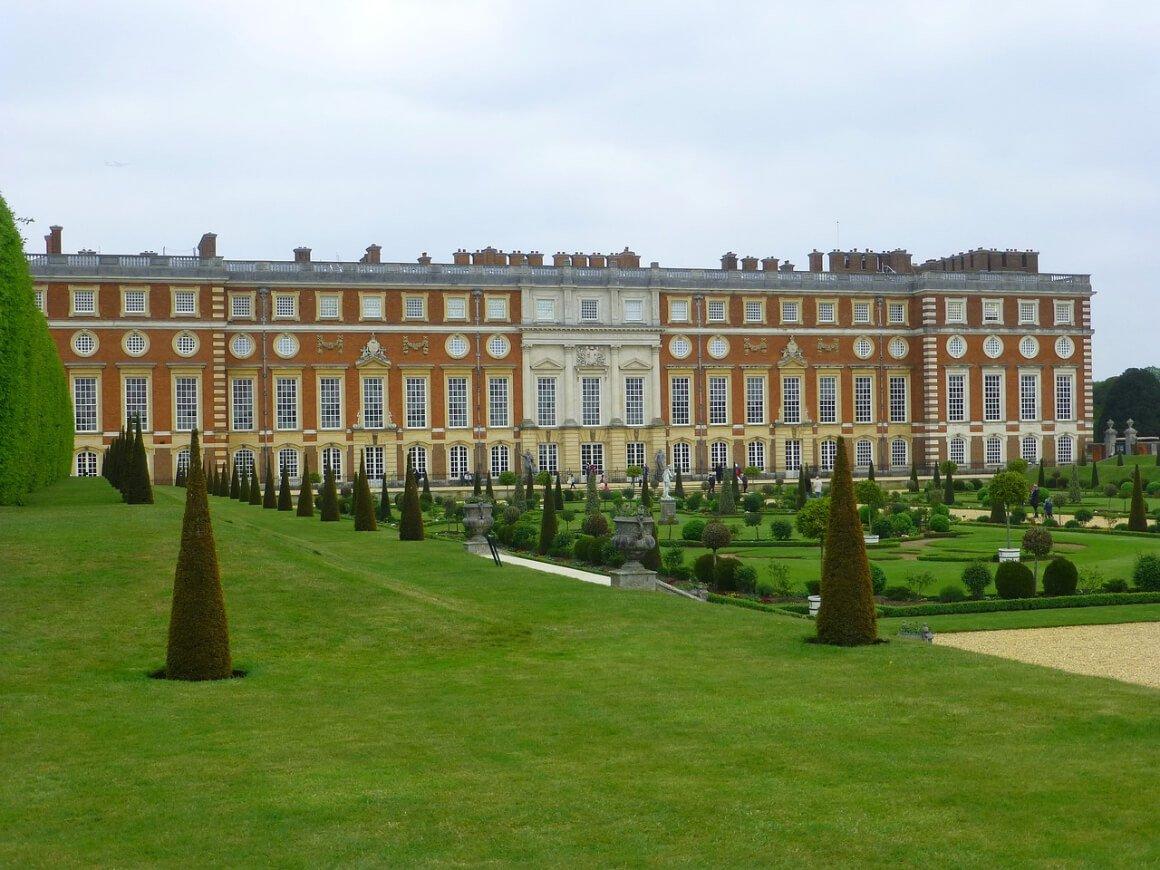 Day Trip to Hampton Court Palace