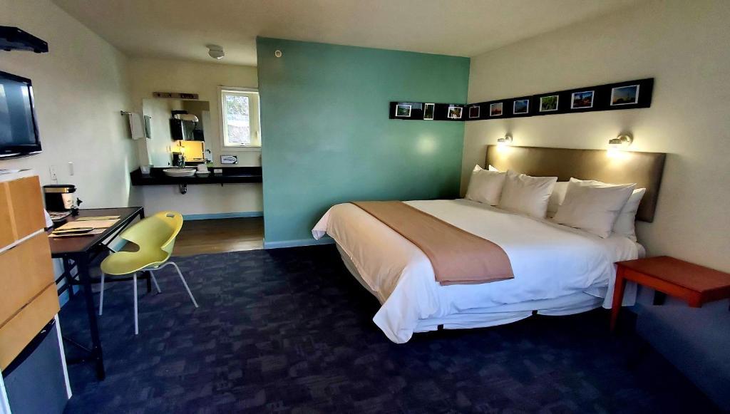 Greenporter Hotel