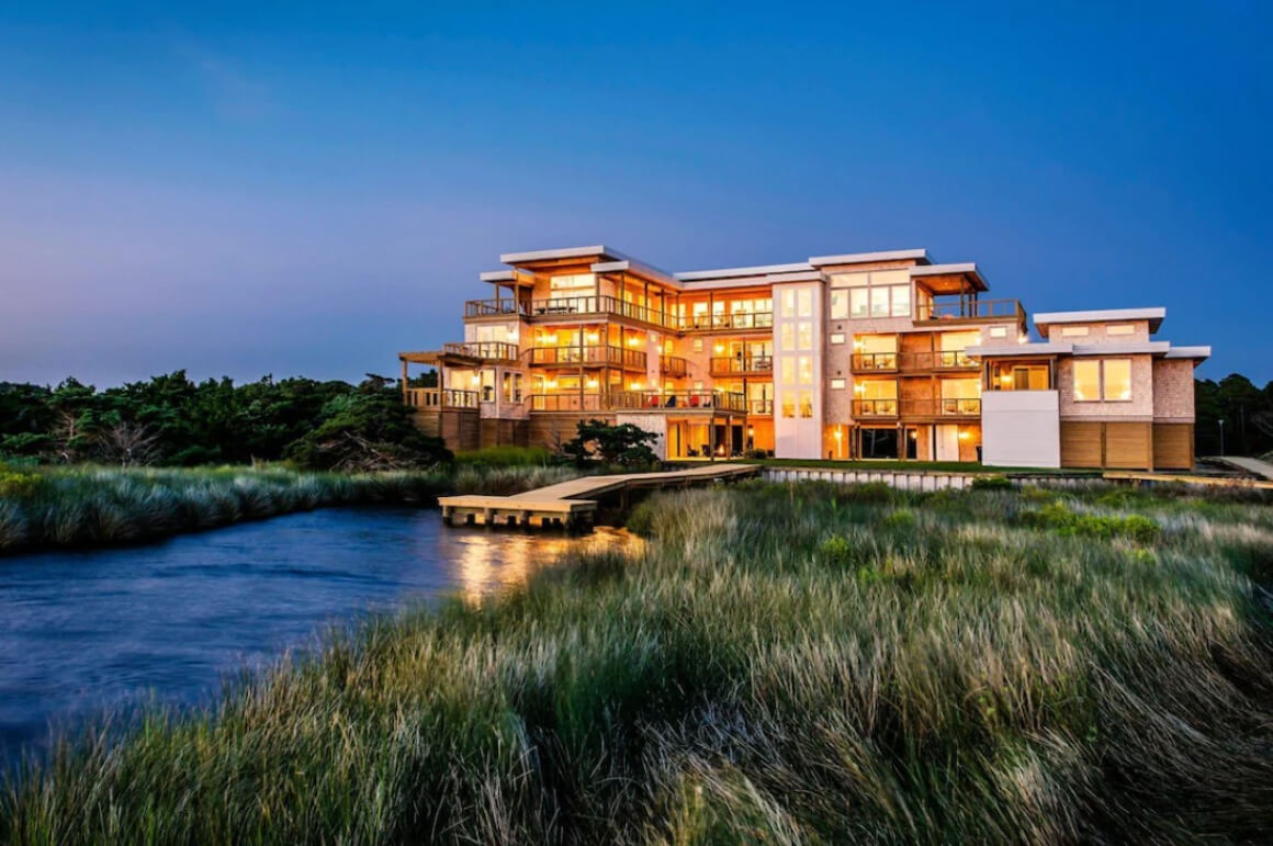 Incredible Waterfront House with Private Dock