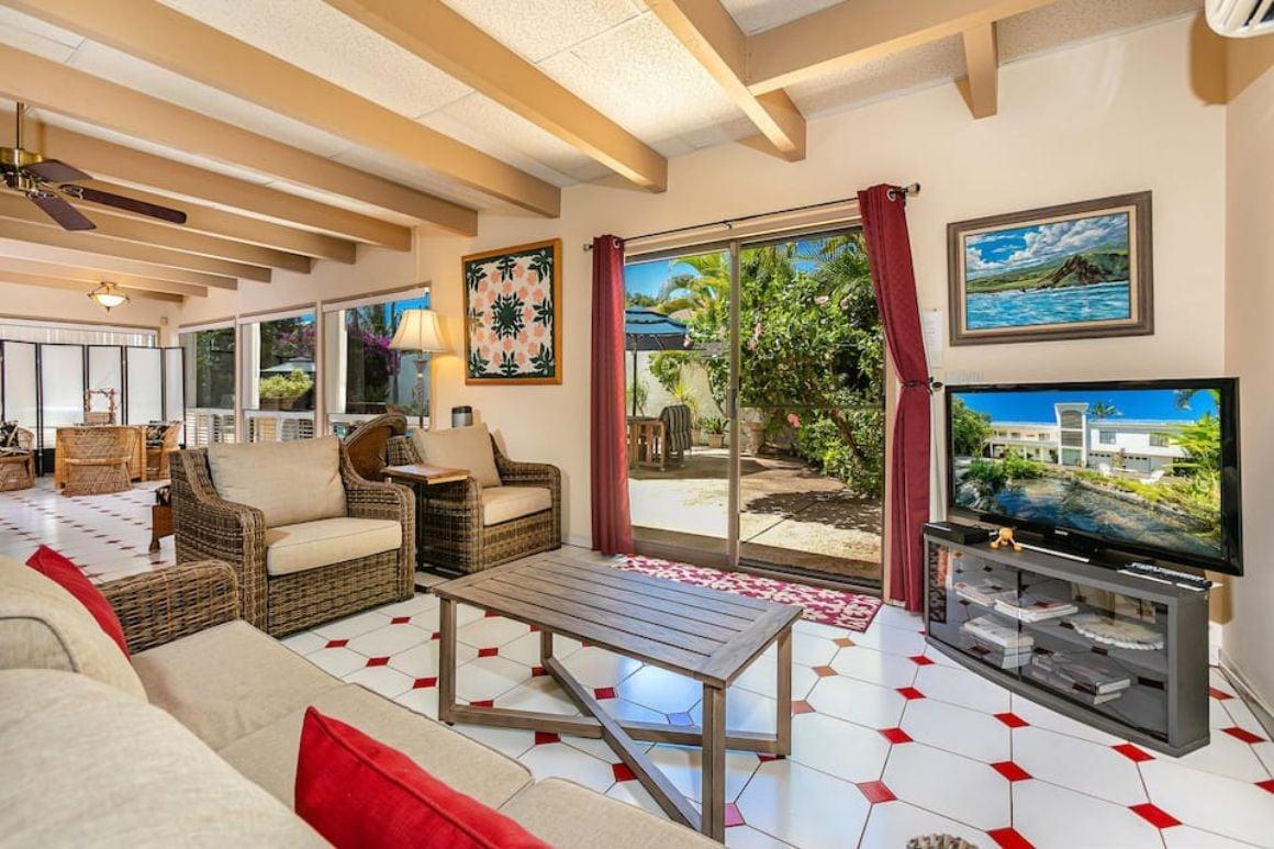 Maui Poolside Studio