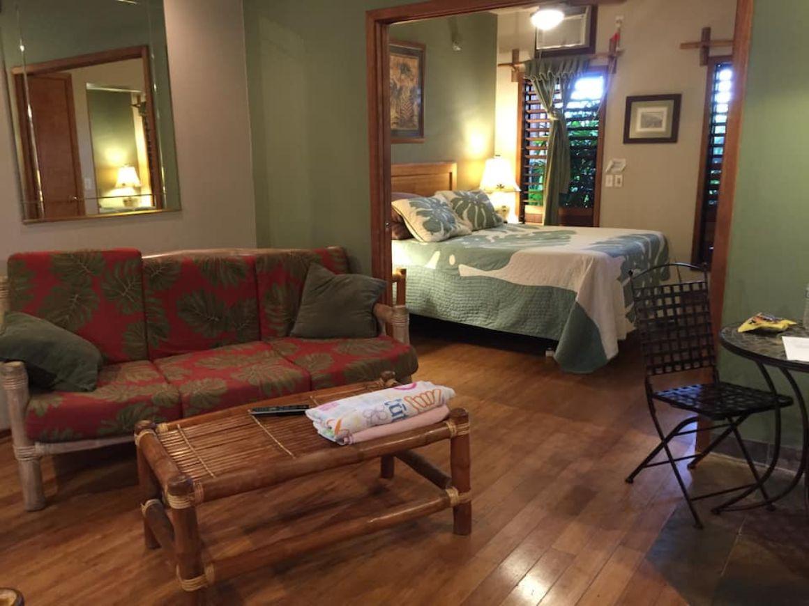 Papaya Suite Maui