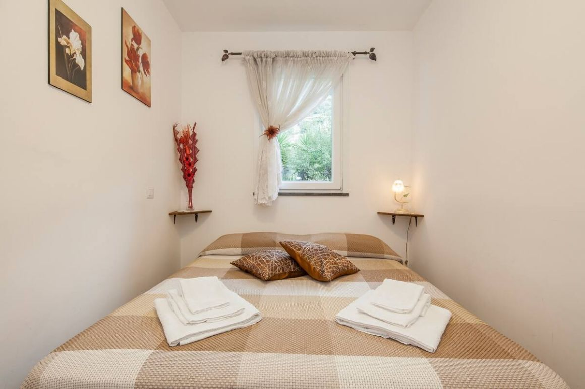 Private room in a bed and breakfast with sea view Positano