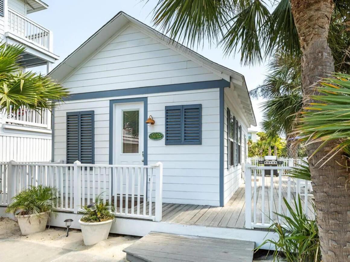 Quaint Beach Cottage for 2