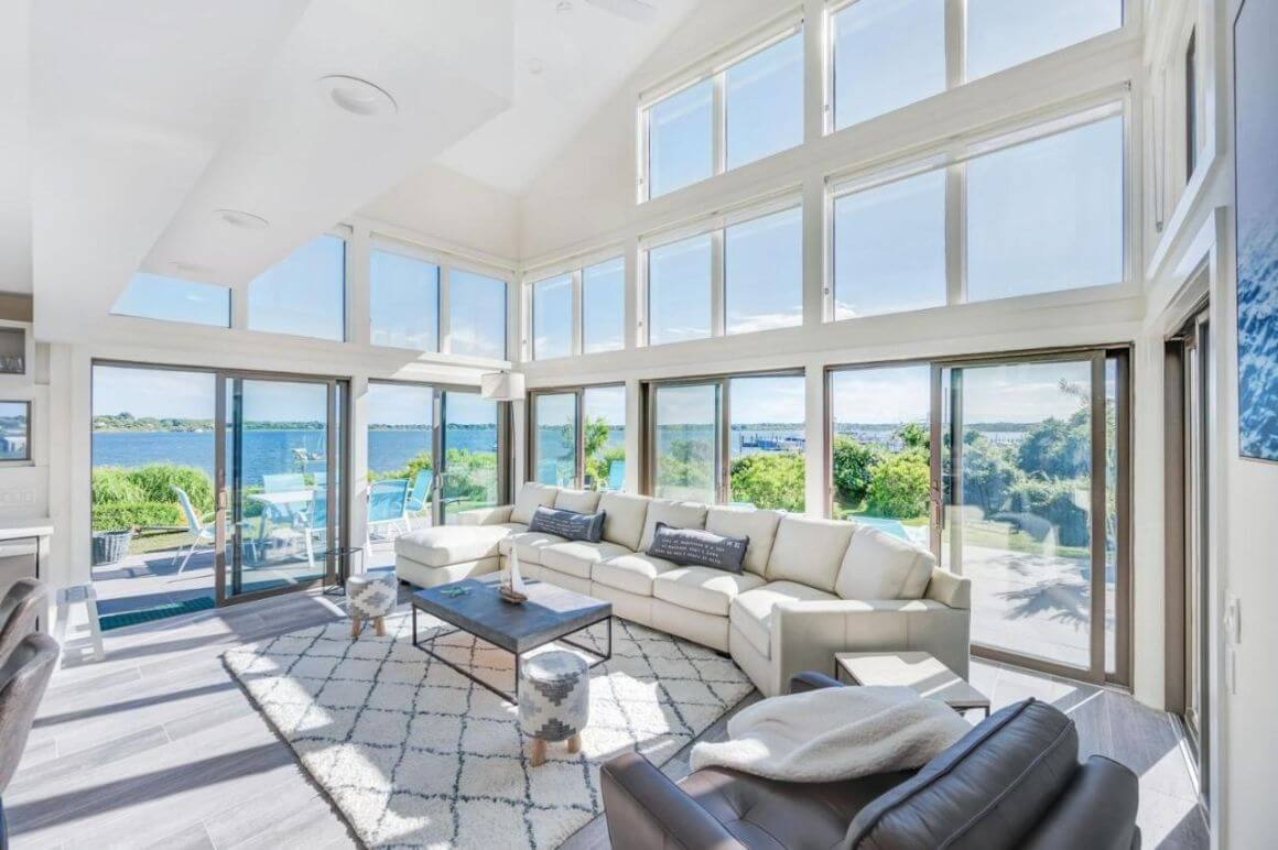 Spacious Modern 4 Bed Lake House The Hamptons