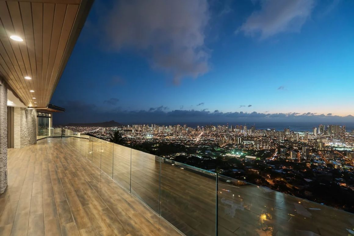 Ultra-Luxurious 5 Bed Villa With City Views Honolulu