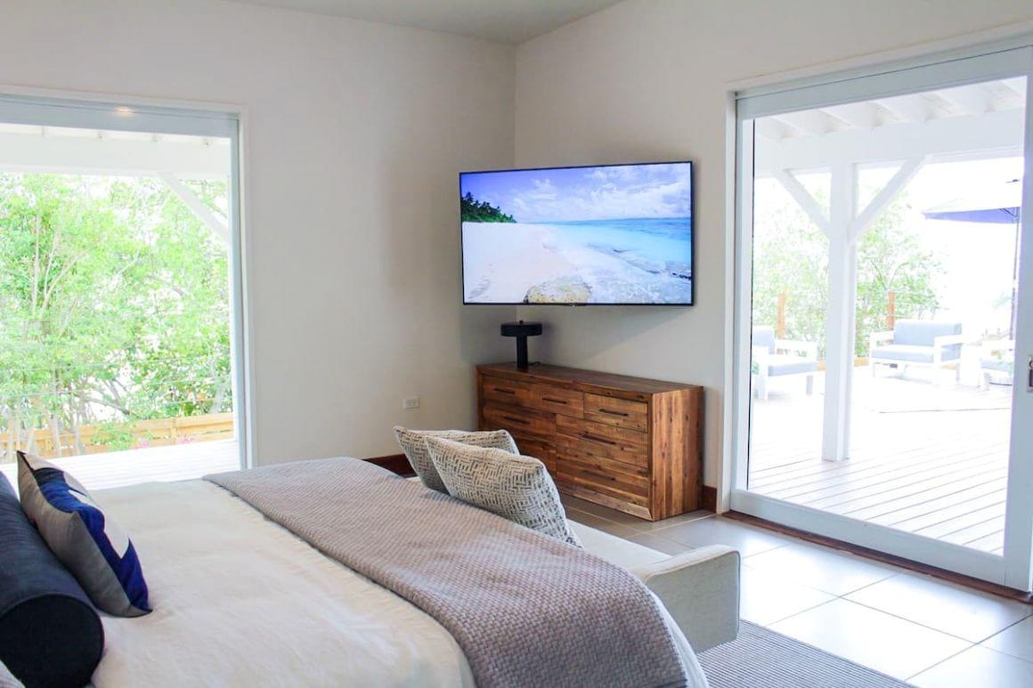 romantic beach bungalow for couples