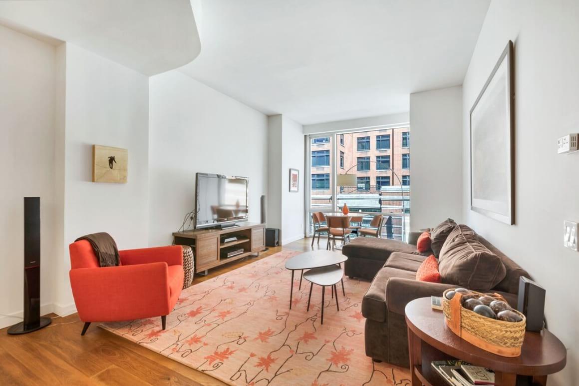 Contemporary 2 Bed Soho Apartment