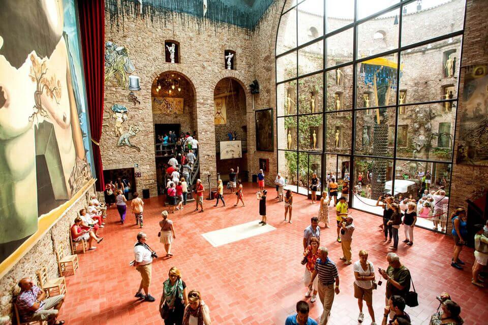Figueres: Dalí Theatre-Museum