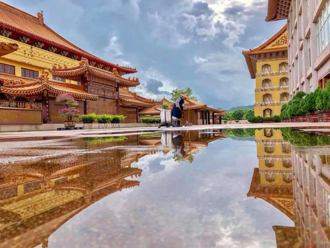 Help Out at a Buddhist Monastery in Taiwan