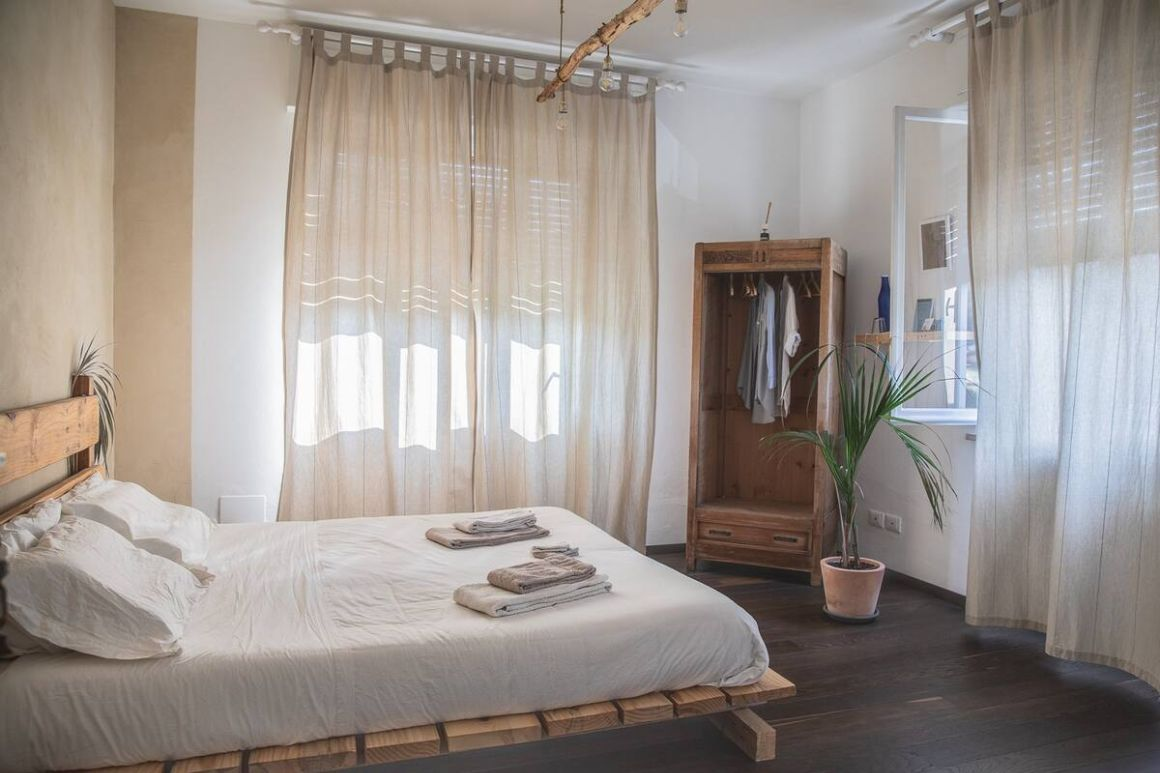 Private room in a residential home close to Lake Garda