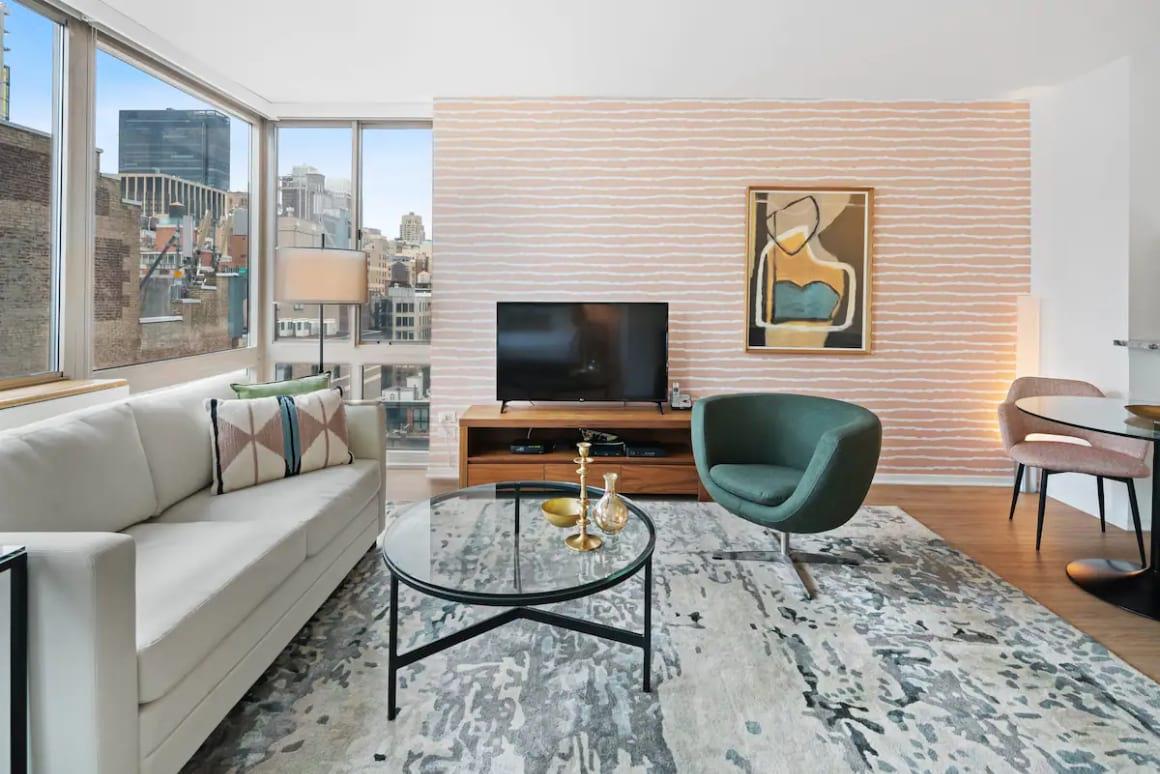 Stylish Renovated Studio with City Views